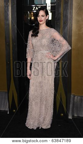 LOS ANGELES - MAR 04:  Eva Green arrives to the