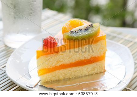 Orange Cake And Slice Kiwi Fruit