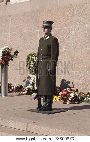 Riga, Latvia � November 18, 2009: Guard Of Honor At A Monument To Freedom