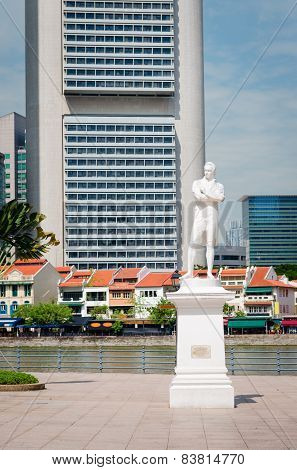 Sir Stamford Raffles Statue On Clark Quay In Singapore