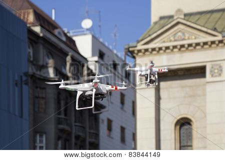 Two Drone To Fly In The City