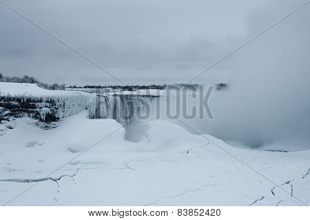 Horseshoe Falls, Niagara Falls, Winter Morning