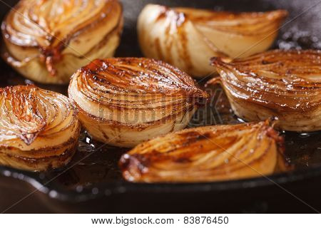 ?aramelized Onion Halves With Balsamic Vinegar In A Pan