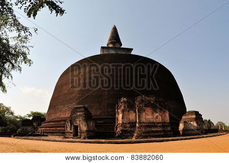 Rankoth Vehera in ancient city Polonnaruwa, Sri Lanka