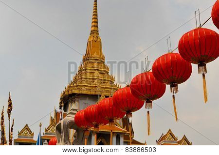 Lampions at Wat Traimit temple in Chinatown, Bangkok, Thailand
