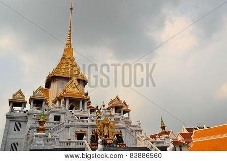 Wat Traimit temple in Chinatown, Bangkok, Thailand
