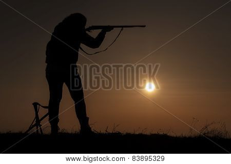 Women sunset hunting