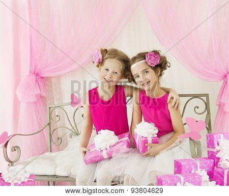Girls Birthday, Little Kids In Retro Pink Dress Present Gift Box, Children Artists