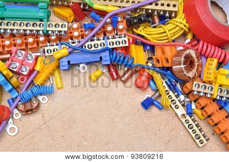Set of components to used in electrical installation