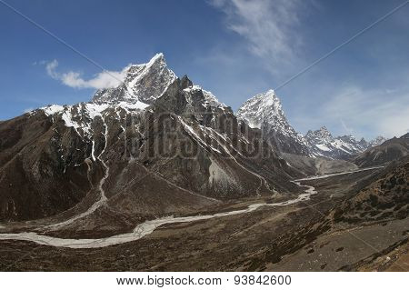 Cholatse And Other High Mountains In The Everest Region