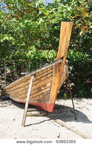 Thai Boat Is Manufacture Right On The Beach