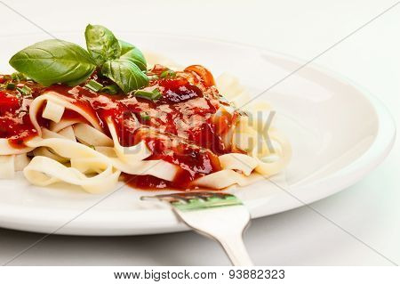 Pasta Fettuccine With Tomato Sauce And Basil