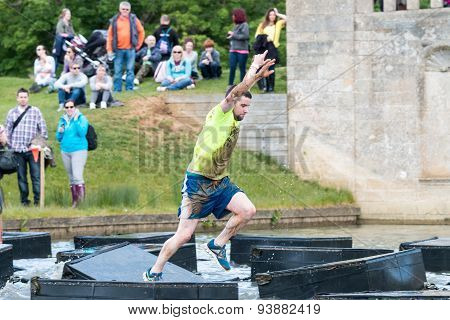 Tough Mudder 2015: Leaping