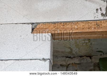 Door jamb of the room during capital repair