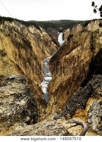 Yellowstone Falls in Yellowstone National Park (Wyoming, USA)