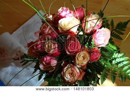 Pink roses bouquet in selected sun light