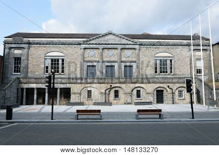 Facade of Kilkenny courthouse without people and cars