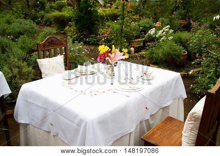 date venue inside a green house garden