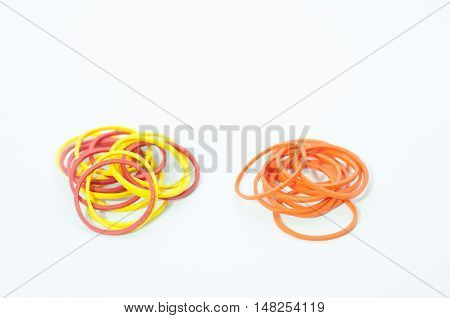 Mix color with rubber bands of red and yellow