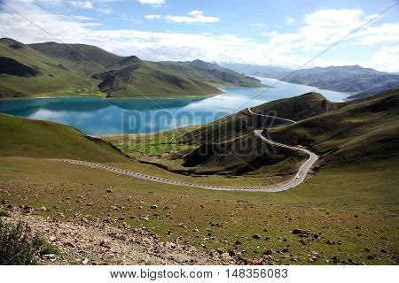 Yamdrok lake or Yamdrok Yumsto lake, the largest lake in southern Tibet