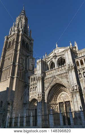 Toledo (Castilla-La Mancha Spain): exterior of the medieval cathedral in gothic style