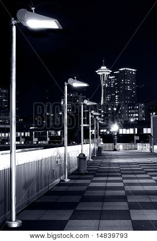 Spaceneedle b&w