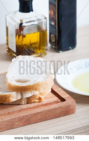 sourdough with olive oil and balsamic vinegar