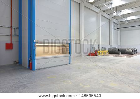 Vertical Carousel Storage Unit in Distribution Warehouse