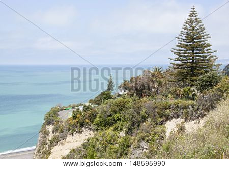The house standing at the edge of a cliff in Napier town (New Zealand).