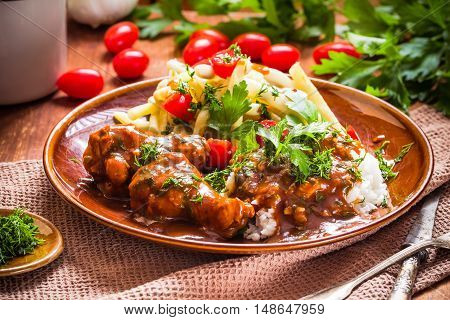 Chicken In Tomato Sauce With Rice And Green Beans