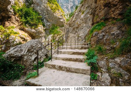 Stone Steps Trail, Path, Way, Mountain Road In Verdon Gorge In France. Travel And Hiking Concept. Scenic View