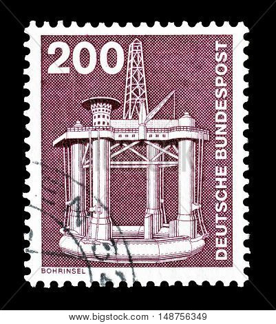 GERMANY - CIRCA 1975 : Cancelled postage stamp printed by Germany, that shows Oil rig.