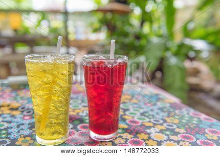 Ice Chrysanthemum tea and ice roselle juice