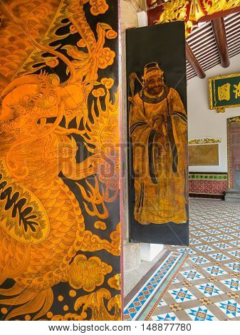 SINGAPORE, REPUBLIC OF SINGAPORE - JANUARY 09, 2014: Internal gate in the Thian Hock Keng Temple or Temple of Heavenly Happiness - Chinese Buddhist Temples in Singapore. Duxton Hill area, Singapore