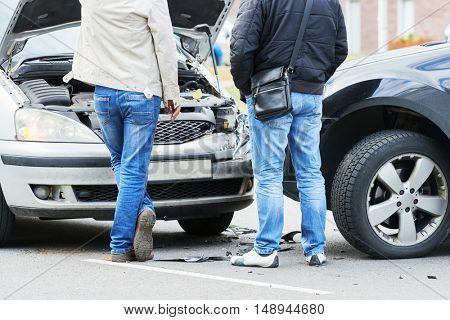 traffic automobile crash accident in city street
