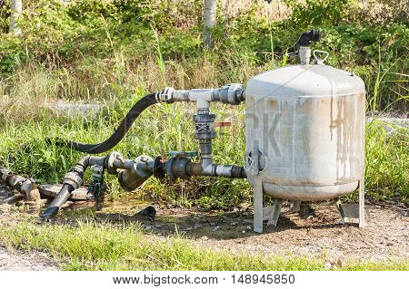System for pumping irrigation water for agriculture with expansion tank