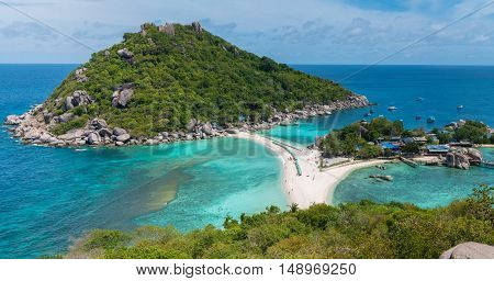 Koh Nang Yuan View Point to the Beach, Sea and tree Islands. Wide