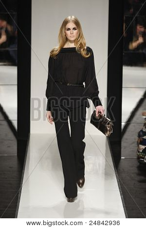 Aigner - Runway - Fall/Winter 2011 Collection - Milan Fashion Week