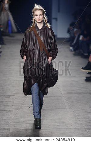 Y-3 - Runway - Fall/Winter 2011 Collection - New York Fashion Week