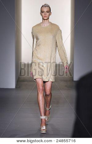 Calvin Klein - Runway - Fall/Winter 2011 Collection - New York Fashion Week