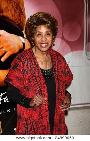LOS ANGELES - NOV 3:  Marla Gibbs arrives at the
