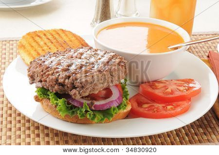 Thick Hamburger With Tomato Soup