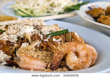 Shrimp And Crap Pad Thai