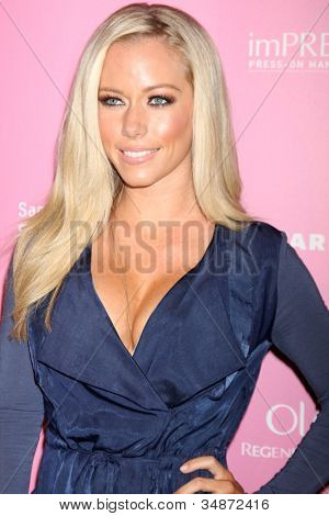 LOS ANGELES - APR 18:  Kendra Wilkinson arrives at the 2012 US Hot Hollywood Party  at Greystone Manor on April 18, 2012 in Los Angeles, CA