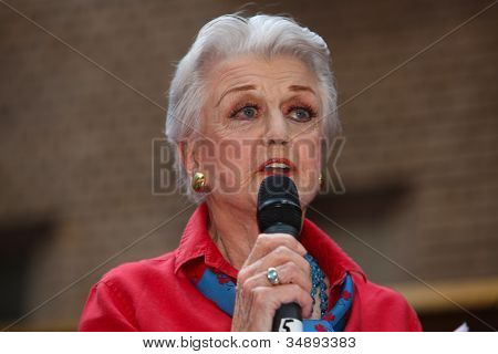 Angela Landsbury Addresses Everyone