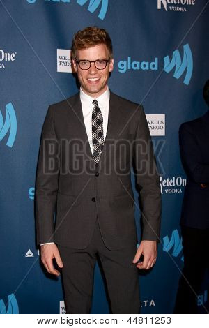 LOS ANGELES - APR 20:  Barrett Foa arrives at the 2013 GLAAD Media Awards at the JW Marriott on April 20, 2013 in Los Angeles, CA