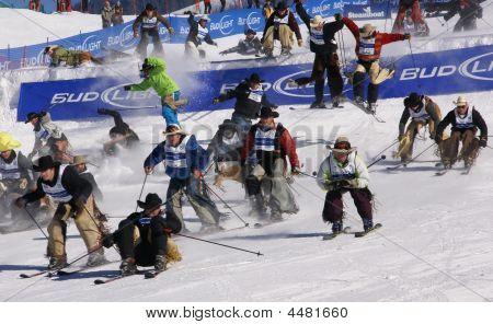 Vaqueiro Stampede - largada coletiva da raça de Cowboys esqui Downhill,