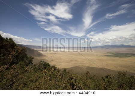 Vieuw Into Ngorongoro Crater Tanzania From The Rim