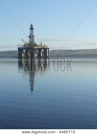 Anchored Semi-submersible Oil Rig