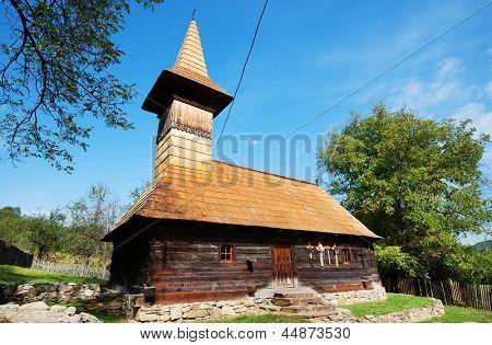Igreja de madeira de Grosii Noi, Arad, Romania